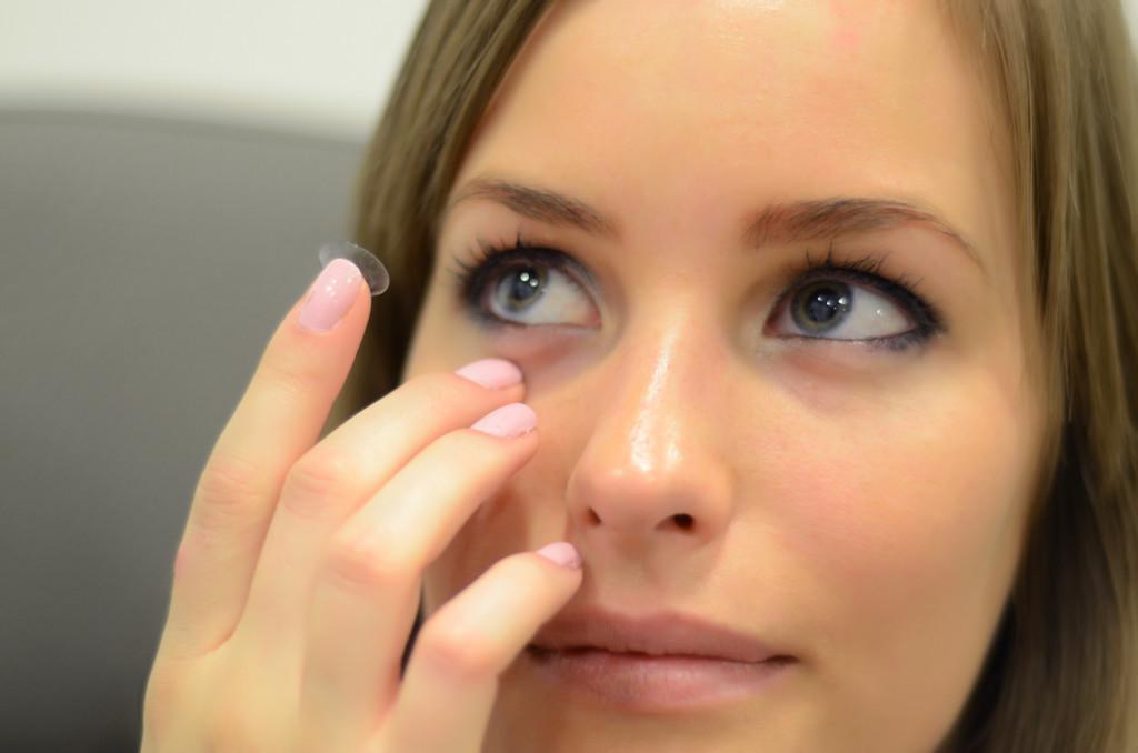 kontaktlencse illesztés - kontakt lencse